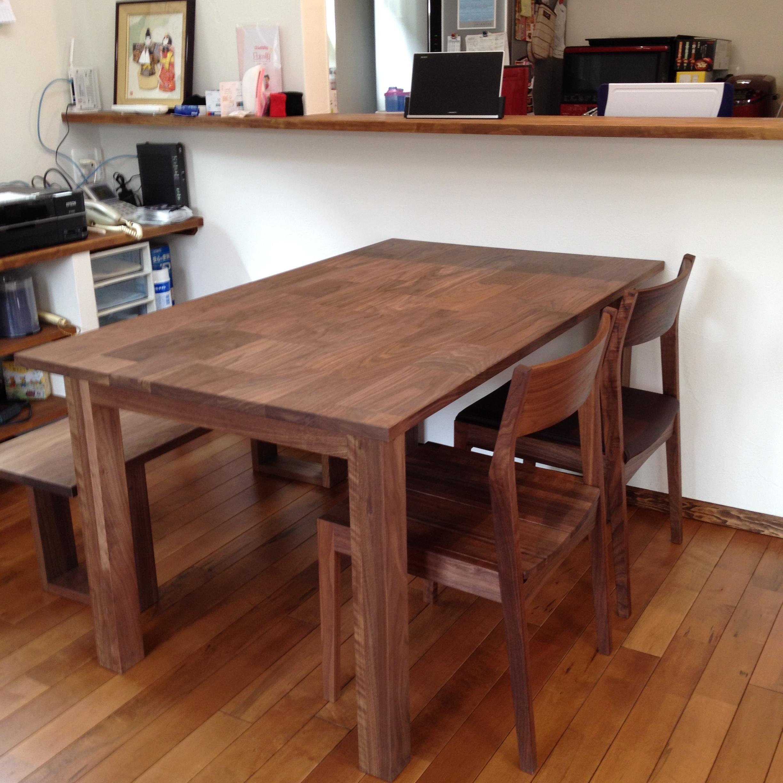 納品ブログ -ウォールナット端材のパッチワークテーブル