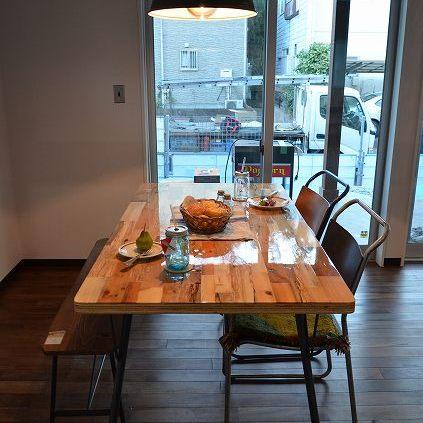 納品ブログ-ヴィンテージ家具が似合うインダストリアル空間-