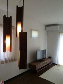 TVボードと照明.jpg