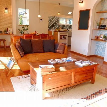 納品ブログ-好きな色と木家具のぬくもりに包まれたおうち-
