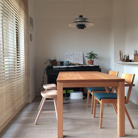 納品ブログ-ナチュラルなお部屋に映えるブルー-