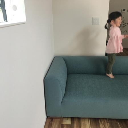 納品ブログ~様々な寛ぐ方ができるカウチソファ part2~